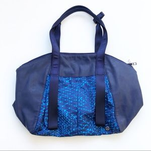 Lululemon Free to Be Bag Salsa Snake Kayak Blue
